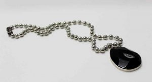 Mi Niña Bonita Negro Necklace